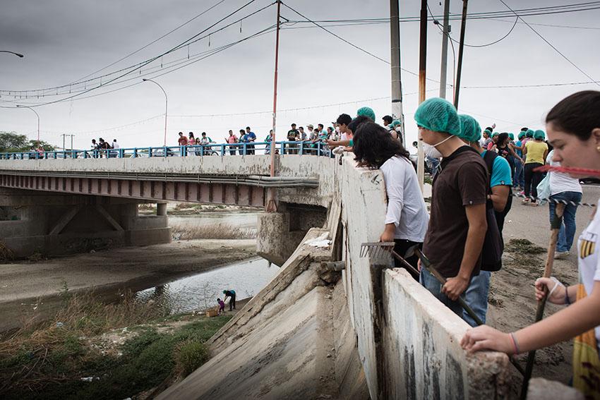 Limpieza del río Piura 23 de mayo de 2015Fotografía Desyree Valdiviezo Palacios11