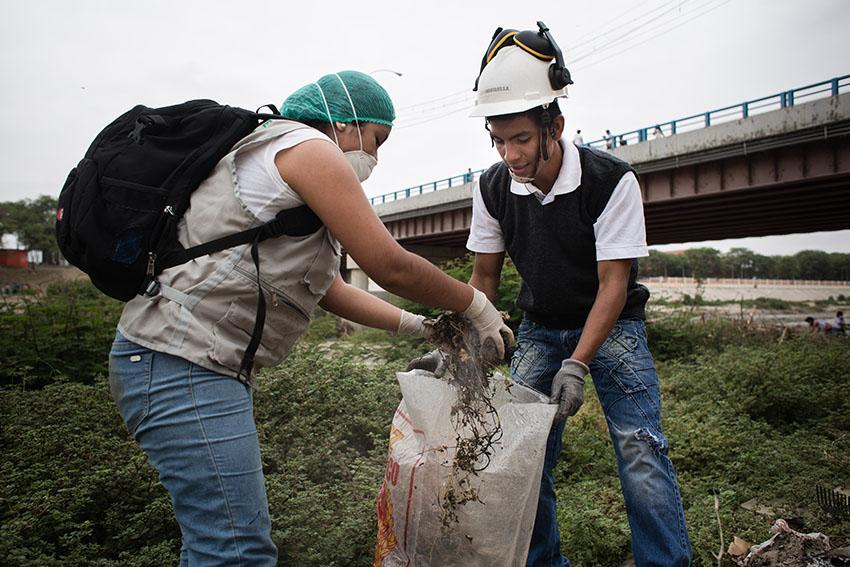 Limpieza del río Piura 23 de mayo de 2015Fotografía Desyree Valdiviezo Palacios12