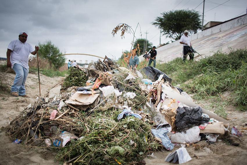 Limpieza del río Piura 23 de mayo de 2015Fotografía Desyree Valdiviezo Palacios21