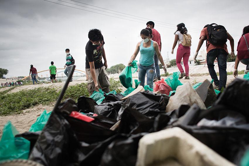 Limpieza del río Piura 23 de mayo de 2015Fotografía Desyree Valdiviezo Palacios24