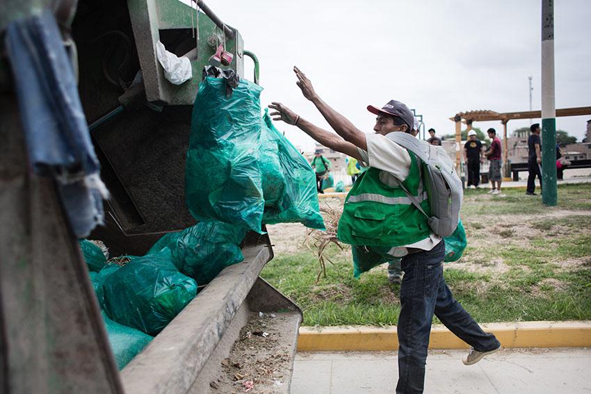 Limpieza del río Piura 23 de mayo de 2015Fotografía Desyree Valdiviezo Palacios25